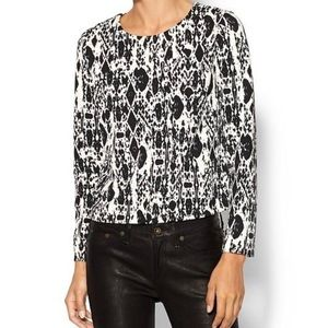Piperlime Abstract Printed Top Black White Stretch